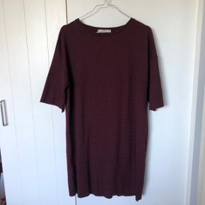 Sælger denne fine beaudeux kjole fra Pull and Bear