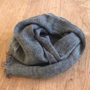 Lækkert Faliero Sarti tørklæde 100 % hør Størrelse 200 x 70 cm Farve: Grå,Sort Hvid