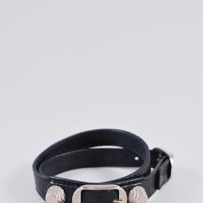 Valencias armbånd sælges, det er brugt, men der er stadig lidt opbage i det. Mener jeg gav omkring de 1500 for det. 😊