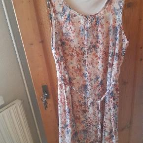 Up Fashion kjole