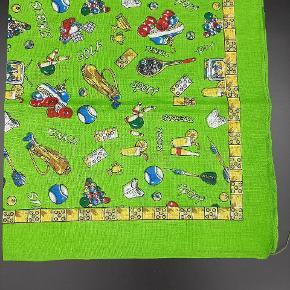 Super fin og helt ny sports bandana i 100% bomuld med forskellige motiver af sportsgrene. Mål 51 x 51 cm. Sælges for 15 kr pr stk.