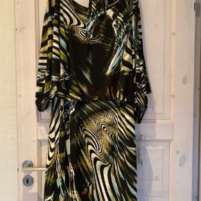 Ny kjole fra Molly-jo str xxl
