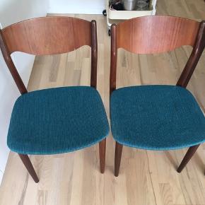 2 stole i teaktræ, God stand 150kr for begge stole Afhentes i Århus