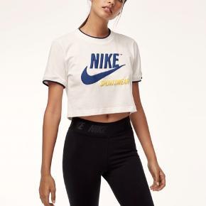 Nike crop top / t-shirt Købspris 299dkk