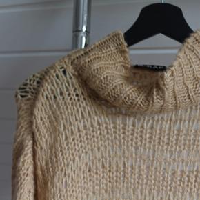 M-kae sweater