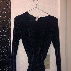 Virkelig smuk NLY trend bluse, desværre købt i forkert str