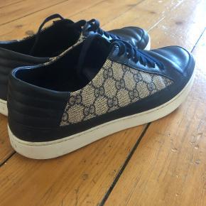 Gucci GG Supreme sneakers  Fin stand Har æske, dust bags og ektra Gucci pose Skriv for flere billeder