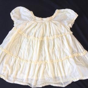 Lys gul kjole