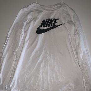 Nike overdel