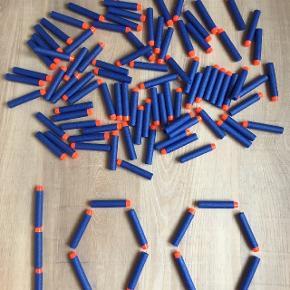 Jeg sælger 100 stk helt nye pile til nerf. De passer til de fleste Nerfgeværer (7.2 cm). De kan afhentes i Aarhus C eller sendes med GLS for 39 kr.  Hvis du skal bruge flere pakker, kan vi finde en endnu bedre samlet pris.