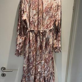 Ravn kjole