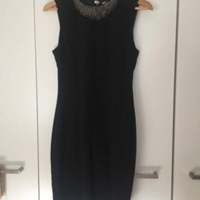 Figursyet kjole / bodycon  Brugt i få timer!! Tilpasser sig kroppens form🤩