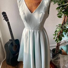 Chi Chi London kjole