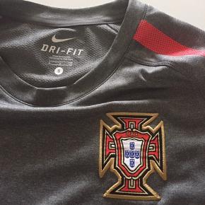 Porto bluse str S (voksen) Porto shorts str XL barn (158-170 cm)