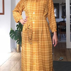Super flot lang kjole fra Monki😊