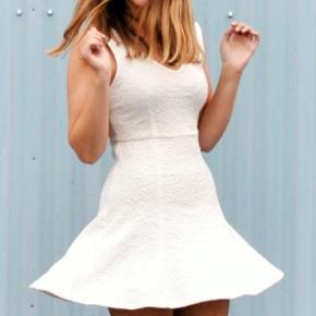 Kjole fra Pins & Needles, købt i Urban Outfitters