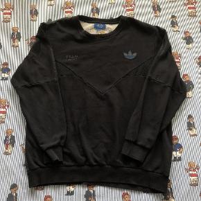 Fed vintage Adidas Originals sweatshirt i str M. Er unisex.  Giv et bud
