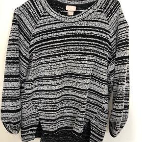 Næsten som ny sweater fra H&M i grå/sort - str 36 - BYD endelig