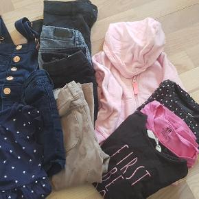 Str. 98-104. 2 kjoler, 4 bukser, 3 langærmet bluser og 1 trøje.  Byd gerne.