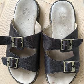Dr. Martens sandaler