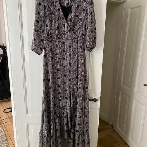 Beautiful dress from Ba&sh  Never used. Only tried