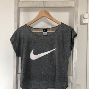 Lækker sportstillæg fra Nike. Aldrig brugt.