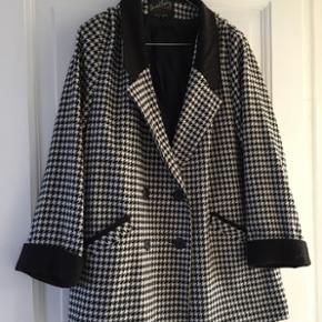 Vintage A formet jakke/frakke fra London. 1960er jakke /houndstooth   Kan bruges oversized så passer alt fra xs-m
