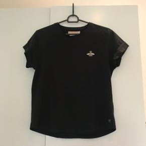 Sort t-shirts fra Birgitte Herskind🦋