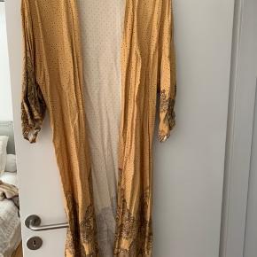 H&M kimono   STR. XS / S   FEJLER INGENTING