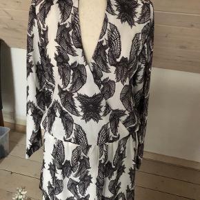 Julie Brandt kjole