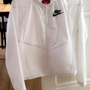 Løbejakke fra Nike