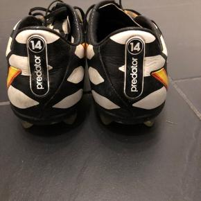 Adidas Predator Instinct VM 14 modellen  Str 42 2/3 Topmodellen  Ny pris omkring 1300kr