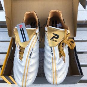 Sprit nye fodboldstøvler str 44 sælges