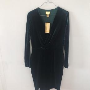 Velour kjole fra H&M Gold/eksklusive kollektion