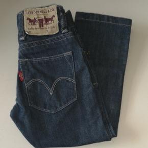Jeans str. 2, brugt få gange..   Fra røg og dyre frit hjem.