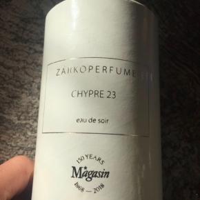 Zarko Chypre 23 kun solgt eksklusivt i Magasin ny pris 1000 kr. Aldrig brugt. Bytter ikke - mp. 550 kr pp. Via mobilpay