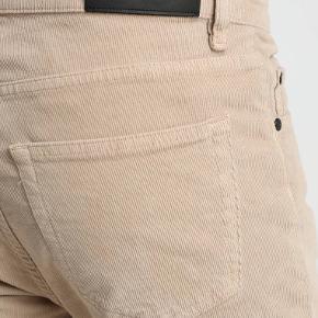 Helt nye bukser fra Whyred, model Syd Corduroy, farve peyote, str. 31/32