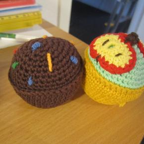 hæklet cupcakes 45 kr stk