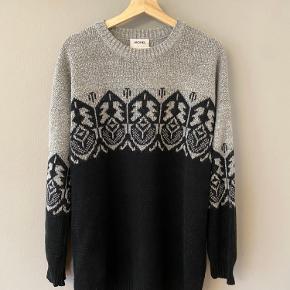 Sweater-kjole fra Monki.