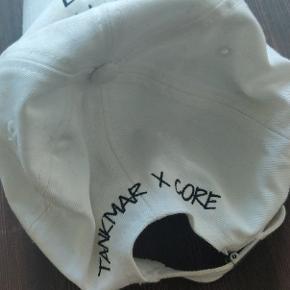 Lækker cap fra Jack & Jones Helt ny og stort set ubrugt  Kan ses/hentes i Hillerød Sendes med dao (30kr)  Eller køb dem gennem tradono