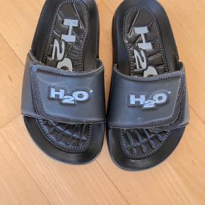 H2O sandaler