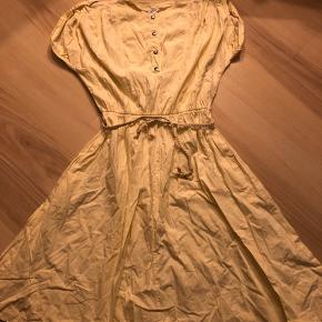 Flot retro kjole  Mærke: Trinee