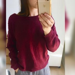 Flot sweater sælges Brugt og dermed prisen er kun 50kr Stadig ok fin stand  Str s fra Nelly  Mp kun 50kr