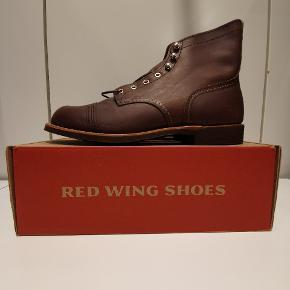 Red Wing 8111 us11 euro 44 Amber harness  Ikonisk støvle fra Amerikanske Red Wing, håndlavede støvler i høj kvalitet.  Prisen er fast