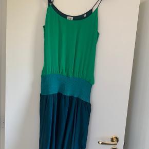 Halston Heritage kjole