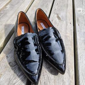 Helt nye loafers jeg aldrig selv har fået brugt.  100kr er mindstepris  Bytter ikke.