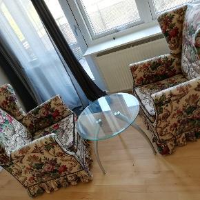 One sofa's fabric is a bit worn from corner. Sofa table dimensions: Diameter 60 cm Length 50 cm  *2 seater sofa 150 kr. *sofa table 80 kr. *2 seater sofa and sofa table together 200 kr. ----------------------------------------------------- En soves stof er lidt slidt fra hjørnet.  Sofaborddimensioner:  Diameter 60 cm  Længde 50 cm   * 2-pers. Sofa 150 kr.  * sofabord 80 kr.  * 2-pers. Sofa og sofabord sammen 200 kr.