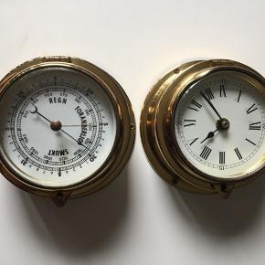 Begge er 15 cm i diameter. Den ene er 8 cm høj og den anden 5 cm høj. Afhentes i Åbyhøj 75 kr pr styk - begge for 120 kr