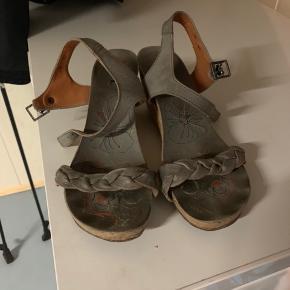 Fede sandaler fra art