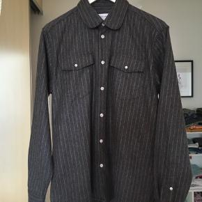 Soulland Nypris: 1000,- Skjorte i uld Helt ny